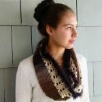 Autumn & Lace Infinity Scarf – Crochet Pattern