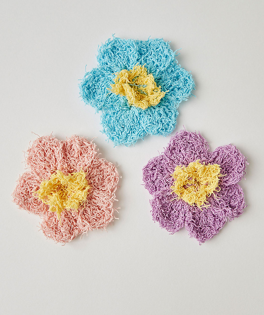 Crochet Flower Pattern Small : Two Color Small Flower ? Free Crochet Pattern ? The Purple ...